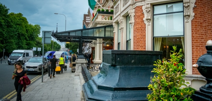 The Shelbourne's Moving Statues